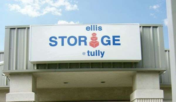 exterior building sign for Ellis Storage at Tully
